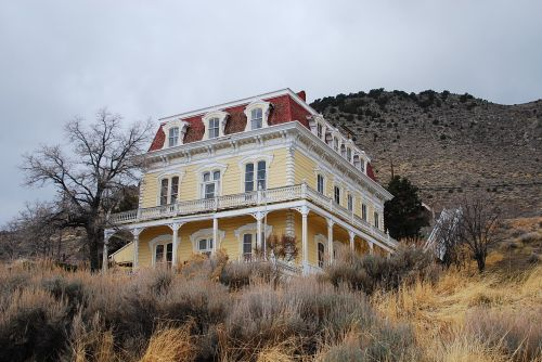 The Yellow House c2012